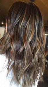 Balayage color miel en cabello negro