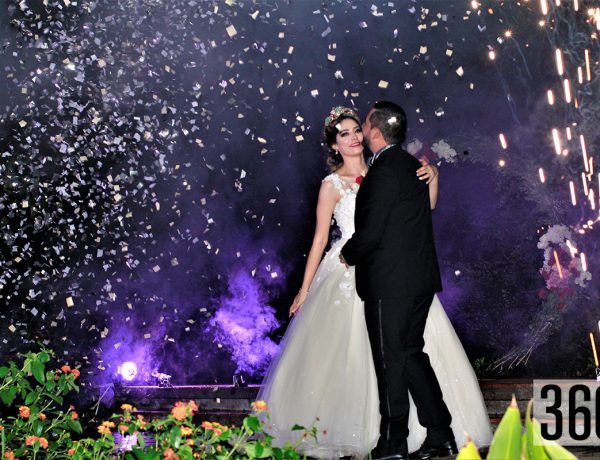 Nancy Jiménez Gil y Sergio Celedón Juárez en su primer vals matrimonial.