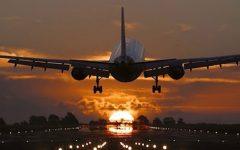 6 cosas extrañas que le pasan a tu cuerpo cuando viajas en avión