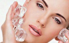 ¿Por qué deberás aplicar un hielo por tu rostro antes de maquillarte?