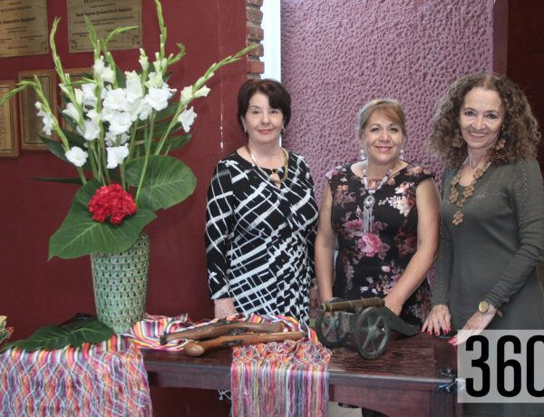 Martha Vásquez, Adela Bergara y Paty Anda.