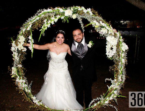 """Guillermo Mendoza Brondo y Paola Pérez Flores unieron su vidas en matrimonio y lo celebraron en """"Hacienda El Carmen""""."""