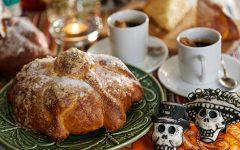 Pan de muerto y chocolate