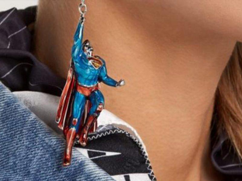 Batman y Superman son los protagonistas de estos aretes que toda chica amante de los cómics deseará tener
