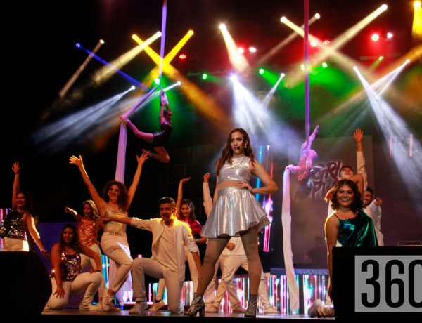 """María Teresa de León Blanco interpreto el tema """"Firework"""" de Katy Perry en el musical GRL POWER presentado"""