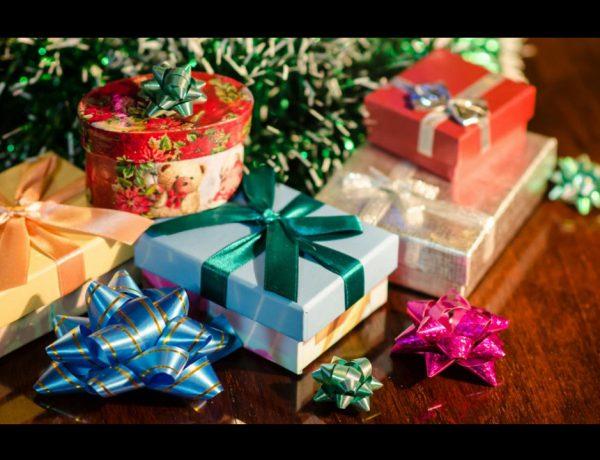 Te damos ocho consejos para encontrar los regalos de Navidad que encanten a tu familia y amigos