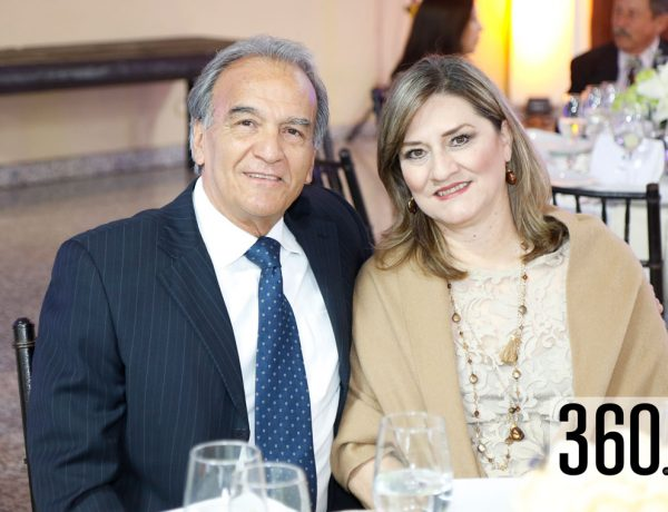 Ricardo Gómez y Morena Aldape de Gómez.