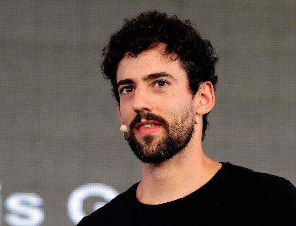 El actor condenó las declaraciones del boxeador Darío Larralde sobre la comunidad LGBT