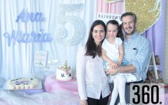 Ana María Garza Aguirre con sus papás Ana Celia Aguirre y Emanuel Garza.