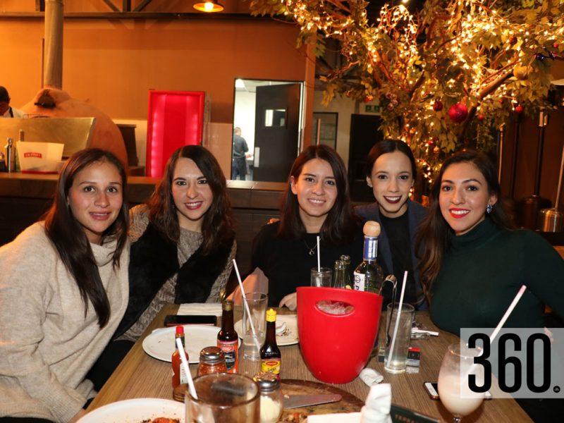 Adriana Prado, Daniela Coss, Fernanda Padilla, Dania Hernández y Laura Leal.