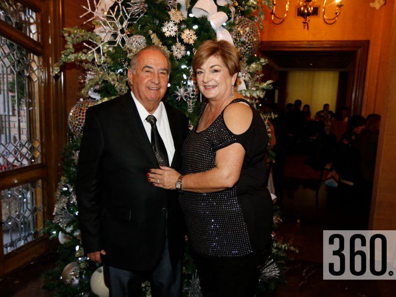 Rodolfo Garza y Lupita Villarreal de Garza.