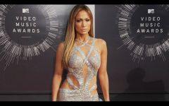 Jennifer López se une a la lista de celebridades que sacarán una línea de belleza este 2019