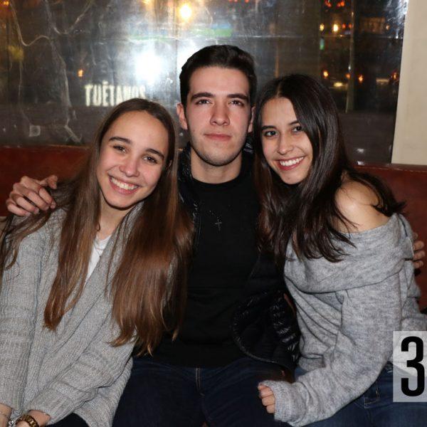 Abril Almaguer, Emanuel Valdés y Natalia Aguirre.