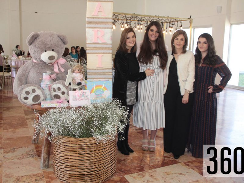 Erandy Pereznegrón con sus hermanas Alejandra y Nallely Pereznegron además de su mamá María Estela Galindo.