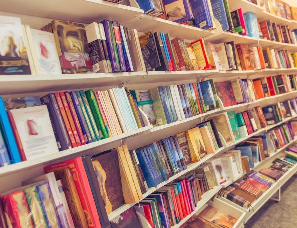 Este día tiene por objetivo el fomento a la lectura y la protección a los derechos de los autores.