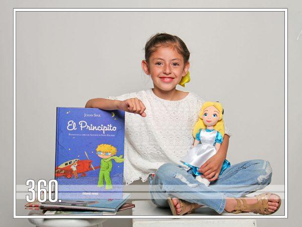 ¿Estás listo para conocer a Ivanna,nuestra nueva Booktuber?