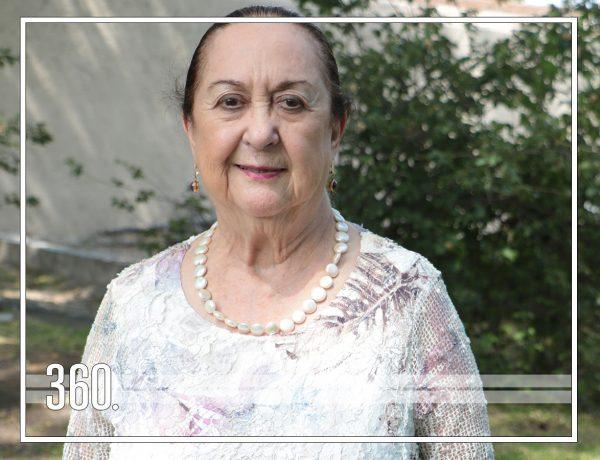 OLGA DÁVILA FESTEJA FELIZ SUS 80 AÑOS
