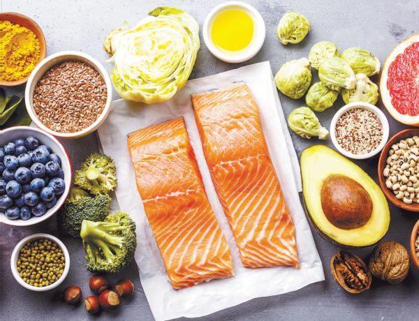 El ejercicio es una parte importante, pero la alimentación también influye si deseas bajar de peso.