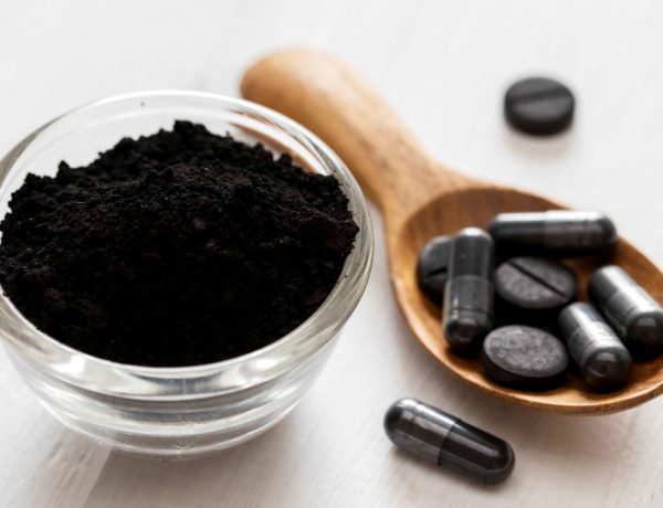 Aprenda más sobre el carbón activado, sus beneficios, usos y efectos secundarios, y decídete por incluirlo en tu día a día.