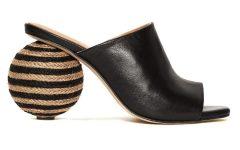 Para esta temporada apostamos por un calzado que eleva cualquier 'look' con un toque 'arty' gracias a las combinaciones de colores, estampados y formas