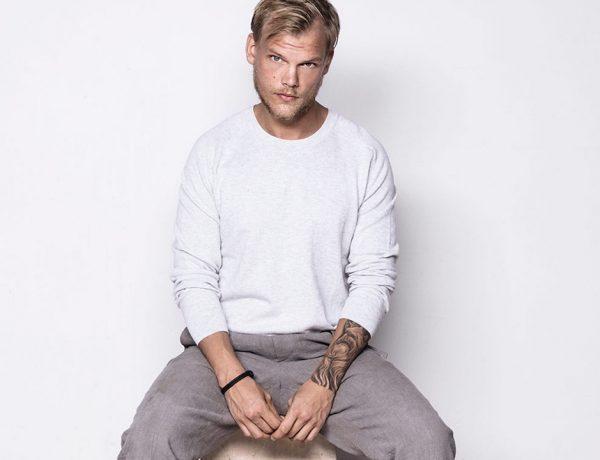 El cantante se suicidó el pasado 20 de abril de 2018, dejando su tercer álbum en un 90%; lo retomaron sus productores y lo concluyeron.
