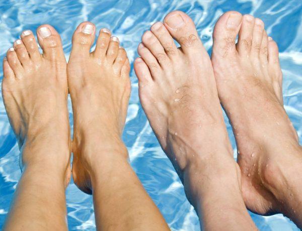 como cuidar pies en verano