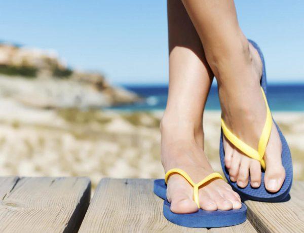 Evita las chanclas en verano