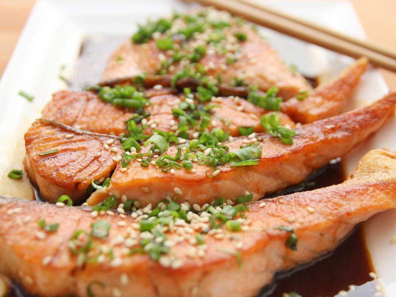 El pescado es un gran aliado para mejorar tu salud cardiovascular y si deseas variar tu menú de la semana. ¡Anímate a comerlo!