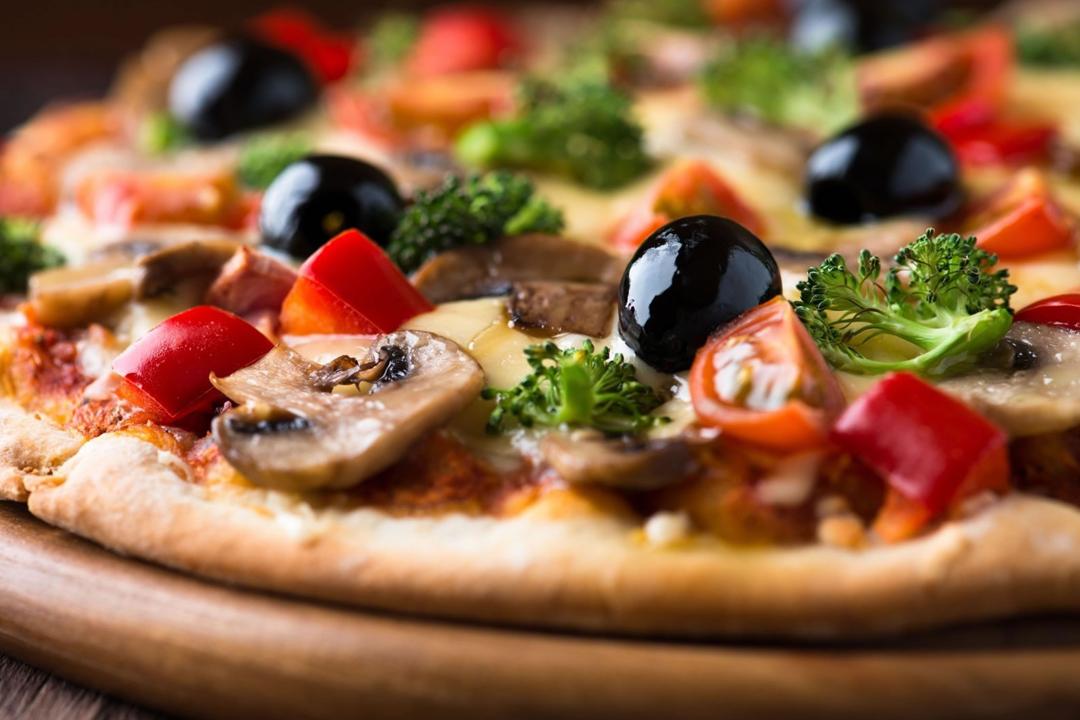 ¡Sí!, lo sentimos, pero te lo tenemos que decir. Estas son las enfermedades que te pueden dar si comes pizza en exceso.