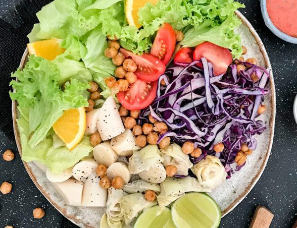 Las ensaladas frescas se convertirán en nuestros aliados durante los próximos meses para combatir el calor. ¿Te lanzas a preparar las siguientes recetas de ensaladas? ¡Te encantarán!