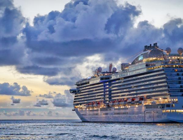 Si estas pensando en realizar tu primer viaje en crucero, hay algunos aspectos que debes de tomar en cuenta para que tu experiencia sea inolvidable.