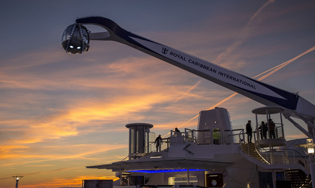 En la imagen la cápsula de observación que lleva incorporada el crucero Quantum of the Seas.