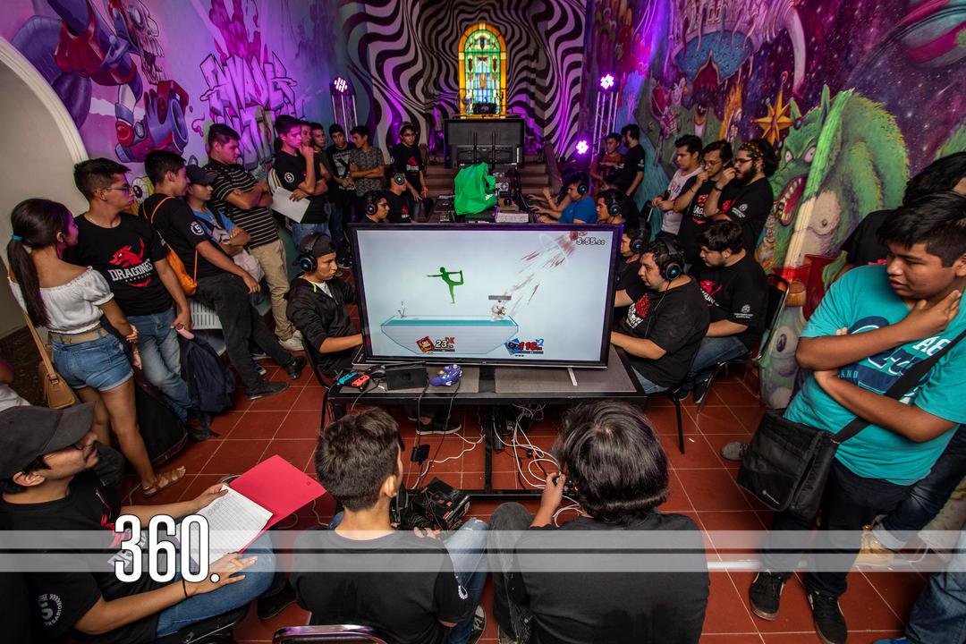 La Universidad Carolina busca impulsar a los jóvenes a través de su pasión por los videojuegos.