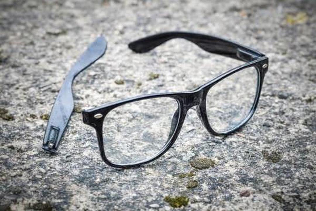 usas anteojos