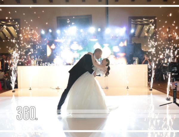 Siria José Cano y Gerardo Escudero García unieron sus vidas en matrimonio el sábado 3 de agosto, primero fue de manera espiritual en presencia de Dios en el templo de San Juan Nepomuceno donde pronunciaron sus votos de amor.