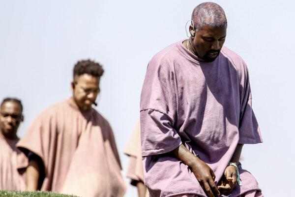 El rapero pasó de la controversia de cortejo a liderar una iglesia cuasi cristiana. ¿Pero de quién está tratando de salvar el alma?