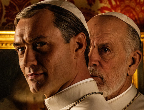 The new pope y desnudo Jude Law