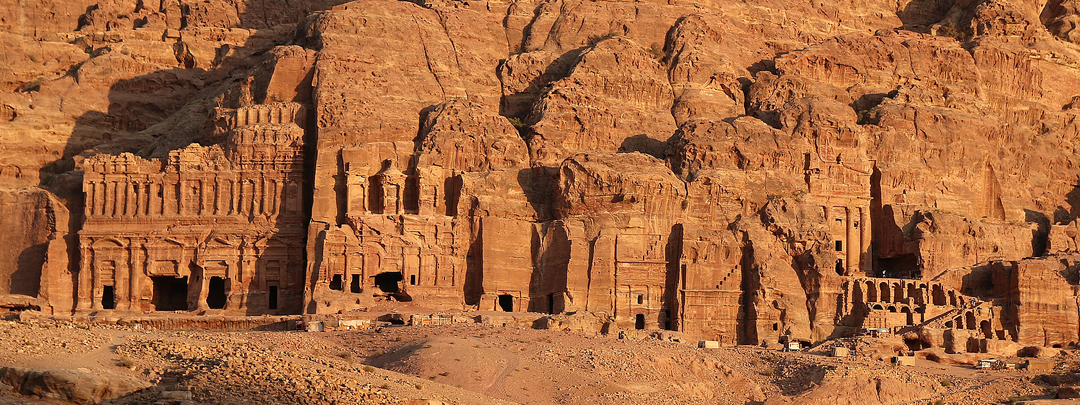 Jordania, Petra, Las tumbas reales