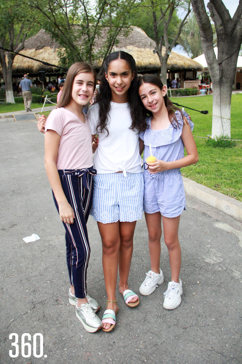 Isabella Gocht, Fernanda Rodríguez y Jimena García.