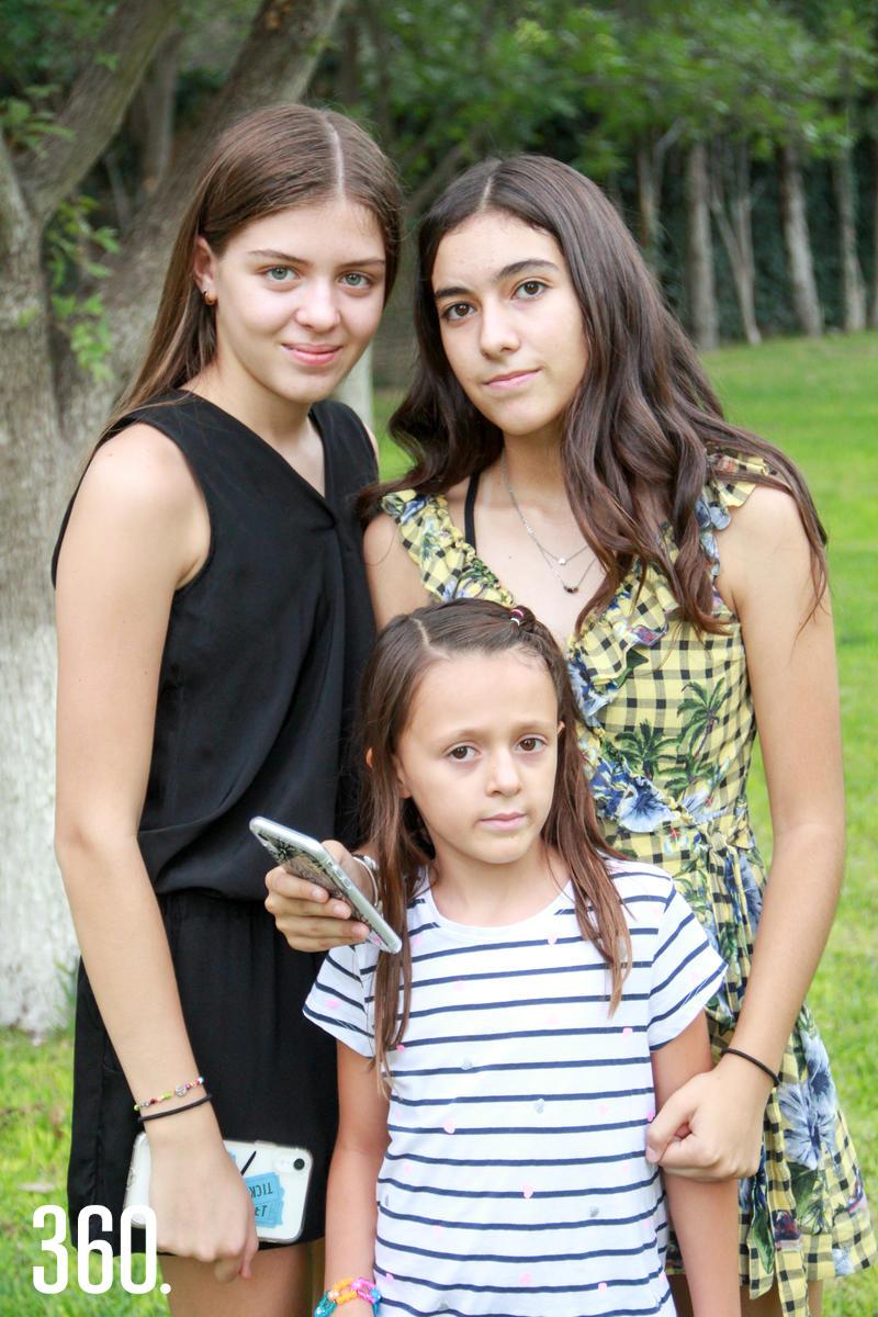Andrea Agüero, Camila Valdés y Lía Ribe.