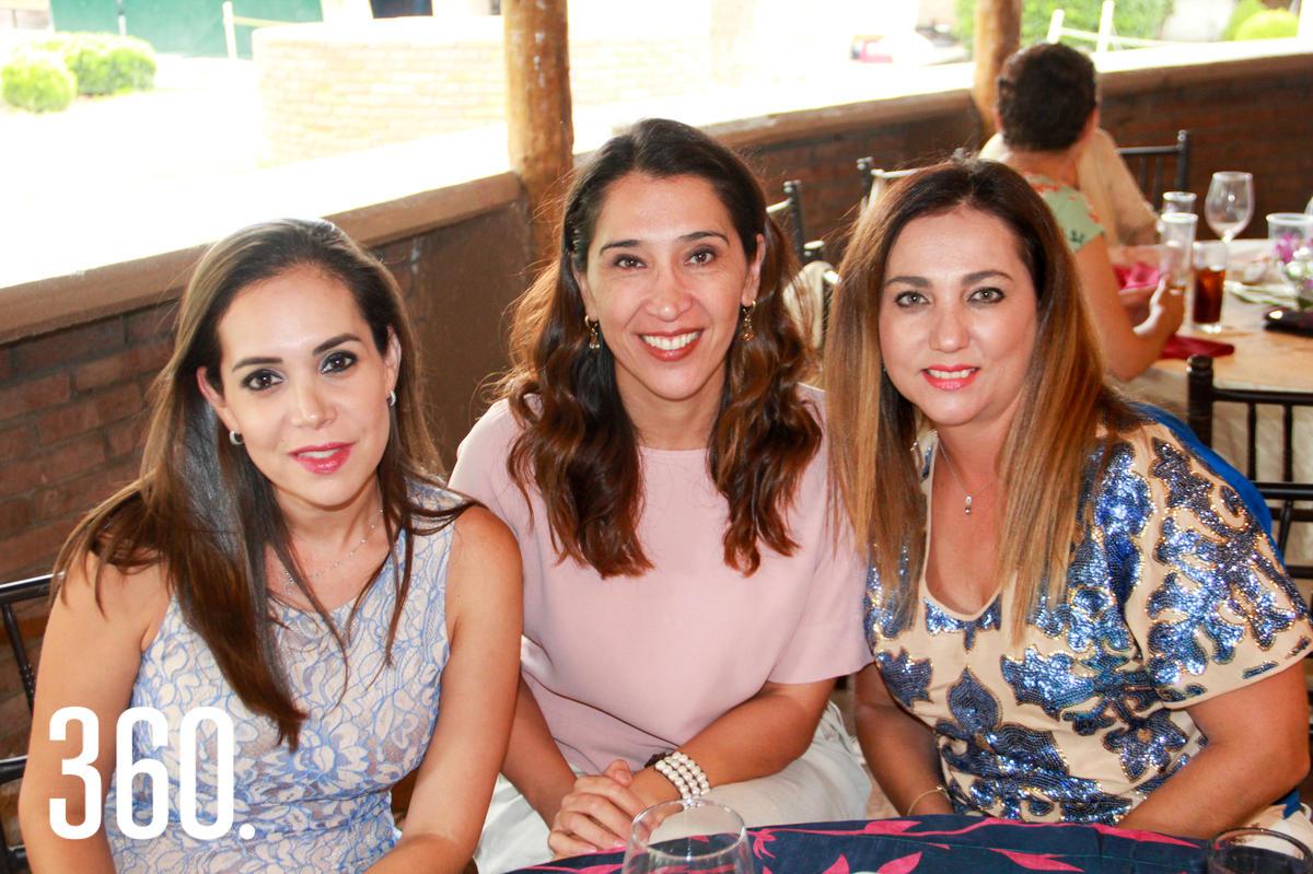 Cristina y María Pérez, y Ana Lilia Tonone.