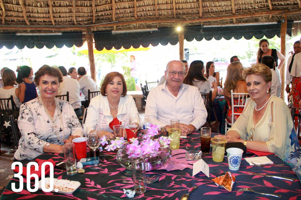 Lidia Rivera, Lolita Garza, Félix Flores y Laura de la Peña.