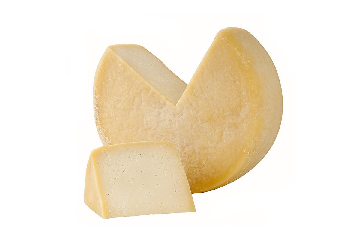 Podemos encontrarlo en todas partes: tacos, nachos, hamburguesas, molletes o en unas deliciosas quesadillas. ¿Quieres saber más de él?