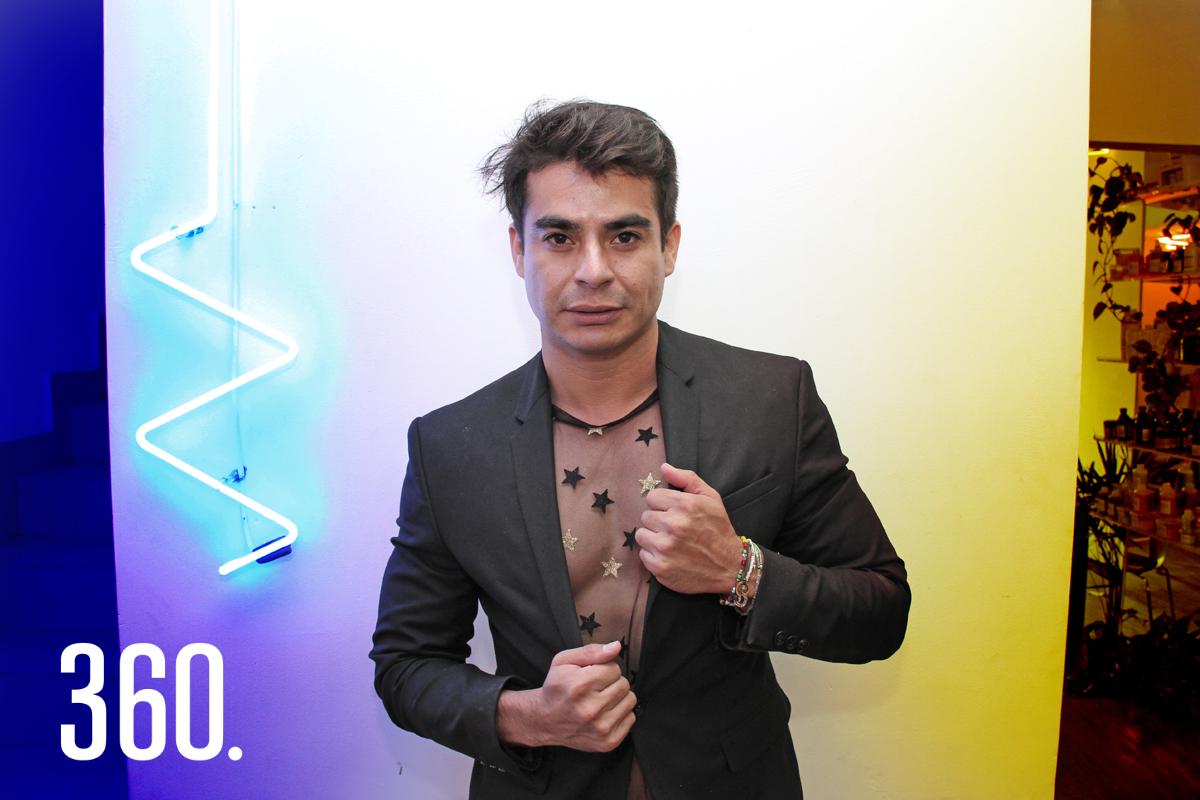 El hairdresser Tonny Piñon representará a México en Viena en el internacional ColorZoom 2019 junto con su equipo y la modelo Alejandra García Ramos.