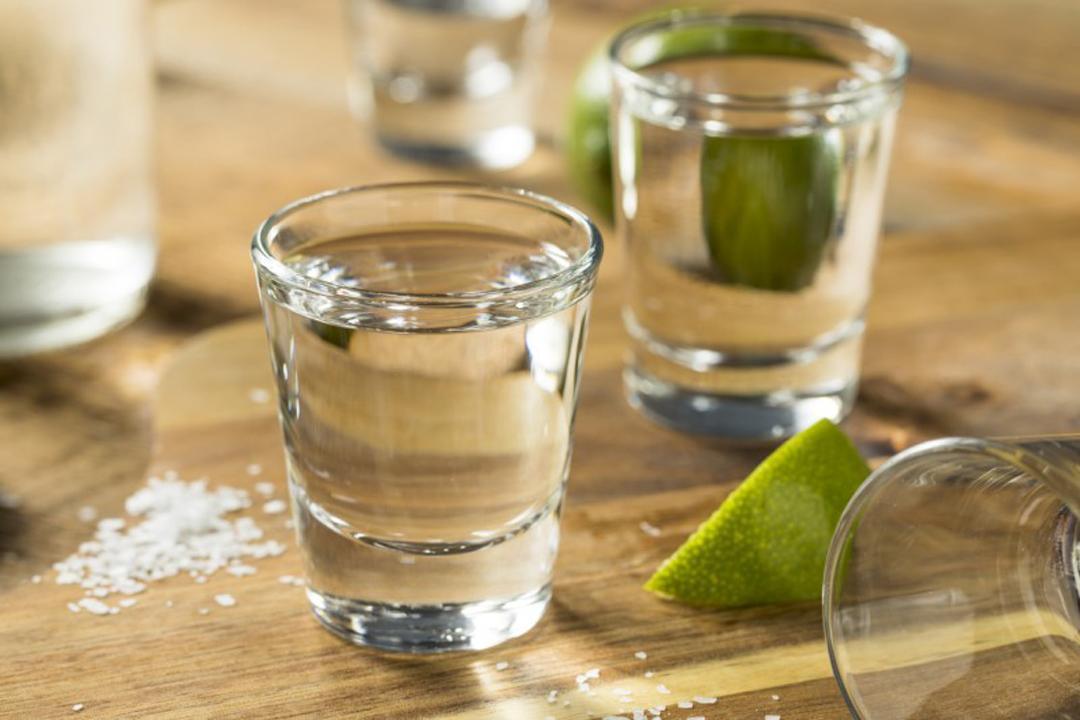 Mezcal bebida domina Mexico y el mundo