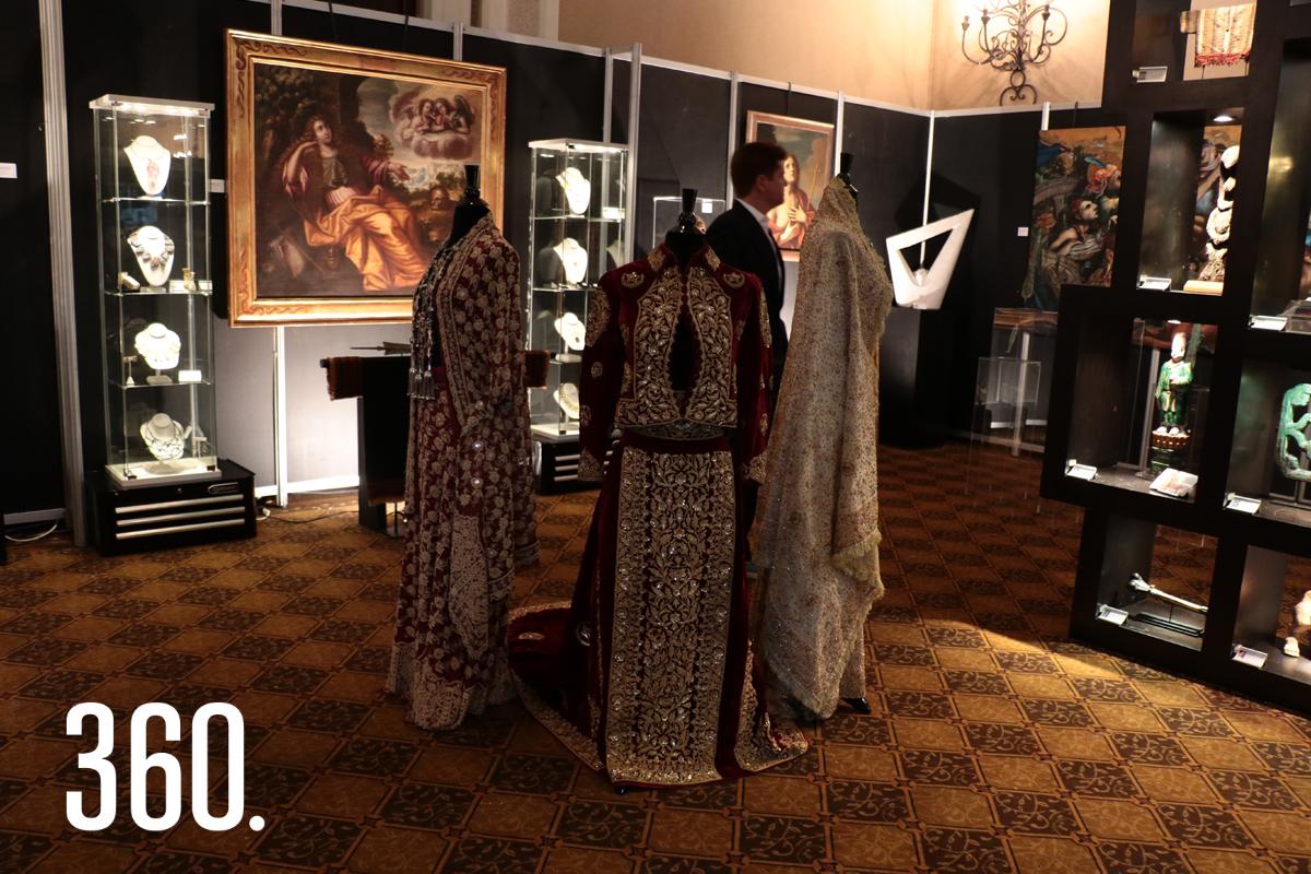 El evento reunió antigüedades y reliquias de más de 25 anticuarios de varios estados de la república.