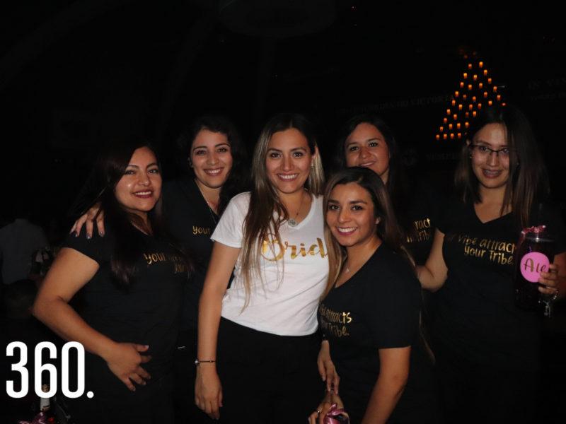 Katy Flores, Tiselle Santos, Blanca García, Velia Vázquez, Melissa Picazo y Ale Álvarez.