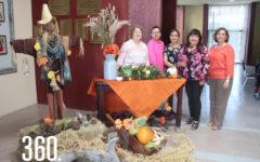 Magüe Dávila de Vera, Esperanza Guevara de Serna, Norma Pedraza, Elsa María Meneses y Charis Oyervides.