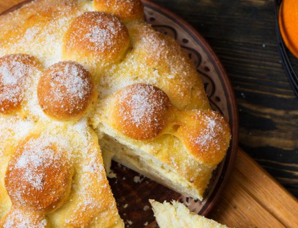 El Día de Muertos ya está muy cerca y su celebración no está completa sin el tradicional pan de muerto.