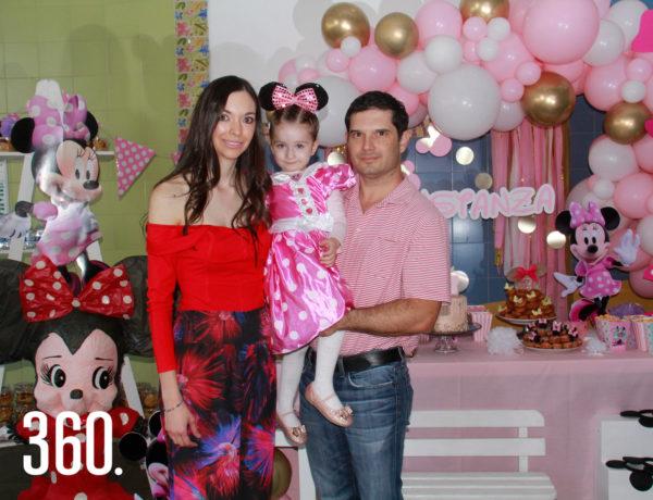 Dalila García y Gerardo Galán Garza organizaron el festejo de su hija Constanza.